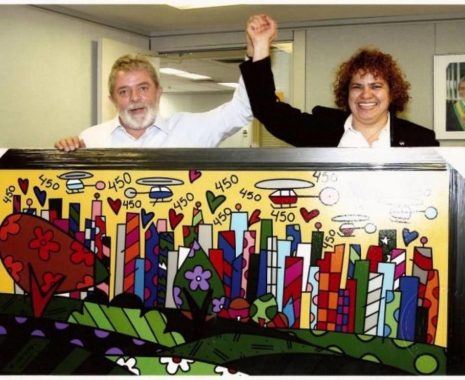 Lula recebe tela de Romero Britto - Divulgação