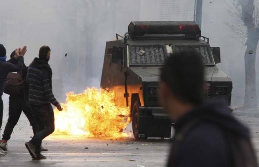 Polícia chilena repreende estudantes e 235 são presos - Eliseo Fernandez/Reuters