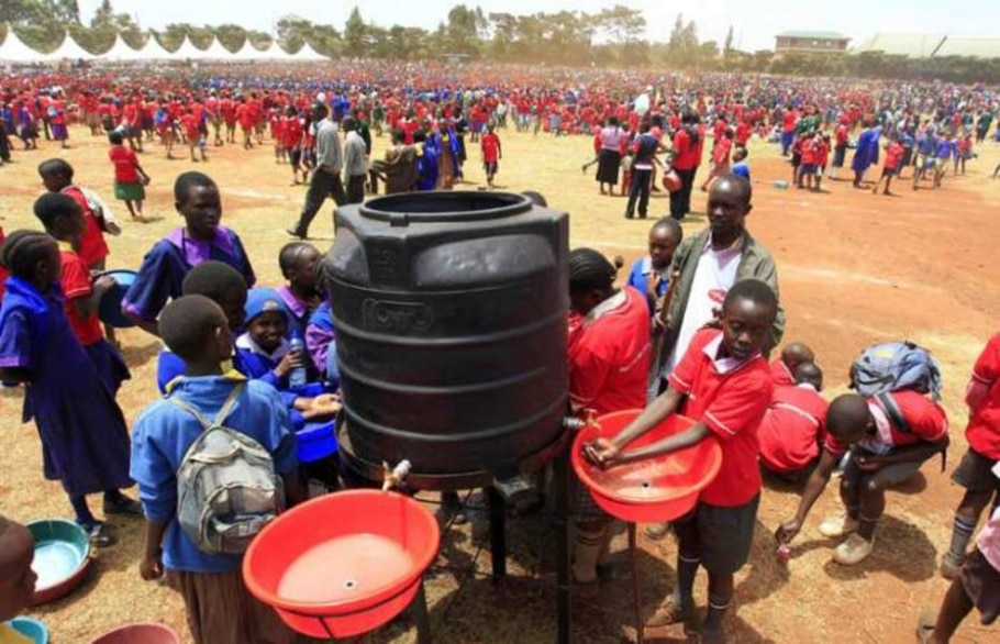 Dia Global de Lavar as Mãos: crianças do Kenia tentam quebrar o Record para o Guinness Book - Thomas Mukoya/Reuters