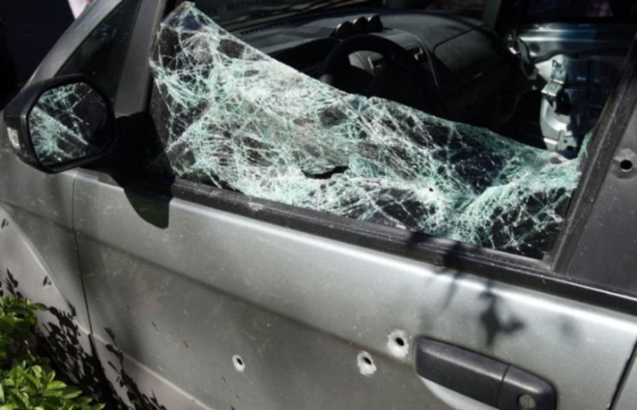Vítima foi surpreendida por homens utilizando toucas ninja e ocupando duas motos e dois carros - Tasso Marcelo/AE