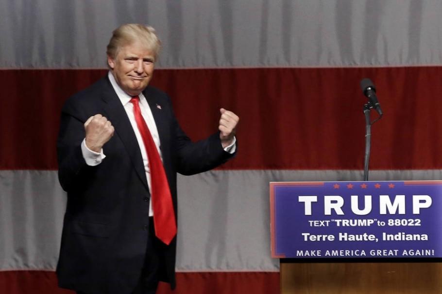 Donald Trump comemora após vencer as primárias de Indiana e praticamente assegurar a indicação do Partido Republicano - AP Photo/Seth Perlman