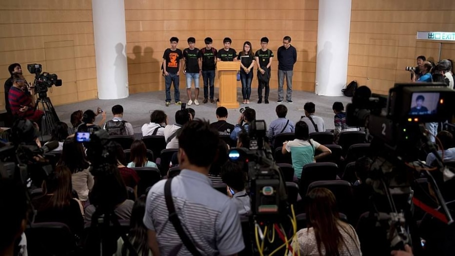 Primeiro diálogo entre estudantes pró-democracia com governo de Hong Kong termina sem avanços - AP