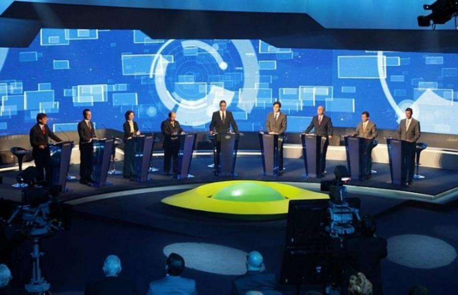 Candidatos preparados para o primeiro debate em televisão aberta das eleições de 2012 - JF Diorio/AE