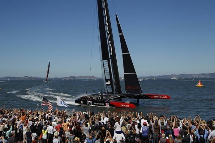 No 13.º dia, Equipe Oracle, dos EUA, vence Corrida 16 por 33 segundos - Stephen Lam/Reuters