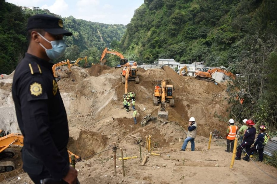 Deslizamento mata centenas na Guatemala - AFP PHOTO / JOHAN ORDONEZ