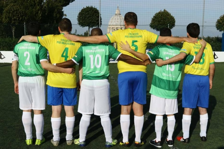 Neymar é estrela em copa dos padres - CLAUDIO LACONI / CLERICUS CUP