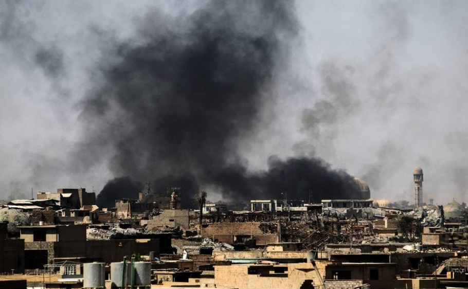 Forças Iraquianas lutam para recuperar o controle da Cidade Velha de Mossul das mãos do Estado Islâmico - AFP PHOTO / AHMAD AL-RUBAYE