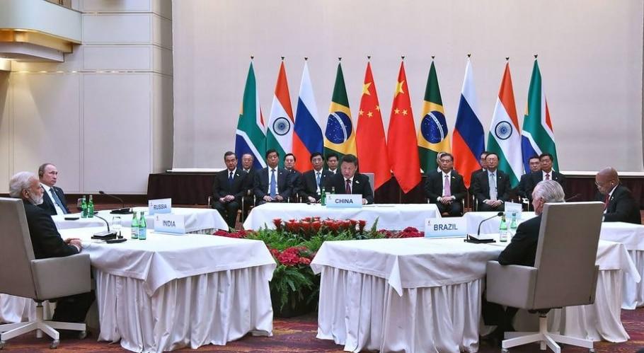 Líderes de Brasil, Rússia, Índia e China aproveitaram a cúpula do G-20 para pressionar os colegas pela adoção do Acordo Climático de Paris - AFP PHOTO / PIB