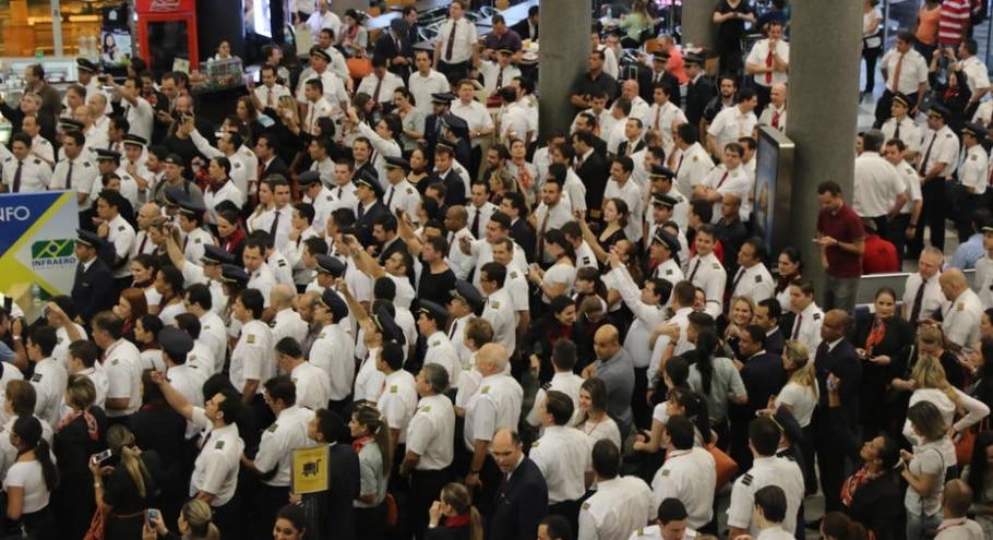Greve atrasa voos em aerorportos - Marcelo Camargo/Frame