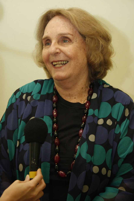Lya Luft comemora 50 anos de carreira - JACKSON ROMANELLI/DIVULGAÇÃO