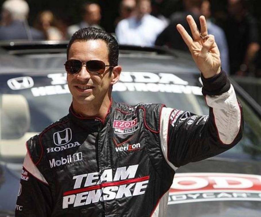 O piloto Helio Castroneves, 3 vezes vencedor das 500 milhas de Indianápolis, que acontece domingo - Seth Wenig/AP - 25/05/2010