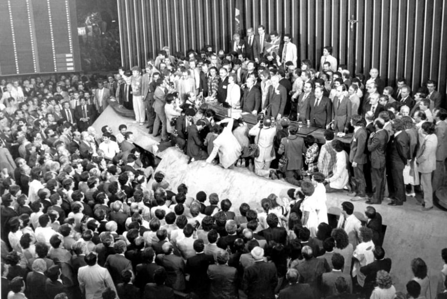 Redemocratização completa três décadas - Arquivo Estadão
