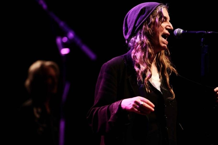 Patti Smith daria Nobel para Murakami no lugar de Dylan - AP