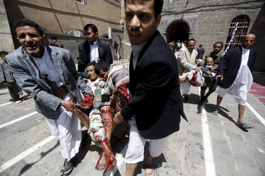 Homens-bomba atacam mesquitas no Iêmen - Khaled Abdullah/REUTERS