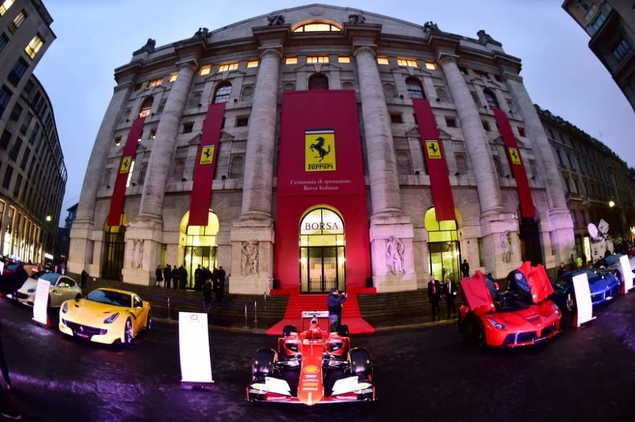 Ferrari 'turbina' bolsa de valores de Milão - Giuseppe Cacace/AFP