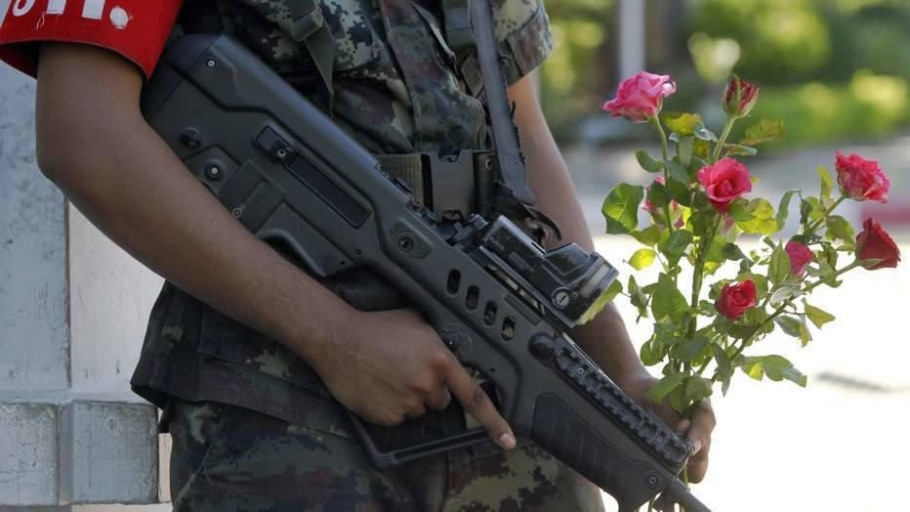 Militares tomaram o poder e seguem nas ruas do país - Chaiwat Subprasom/Reuters