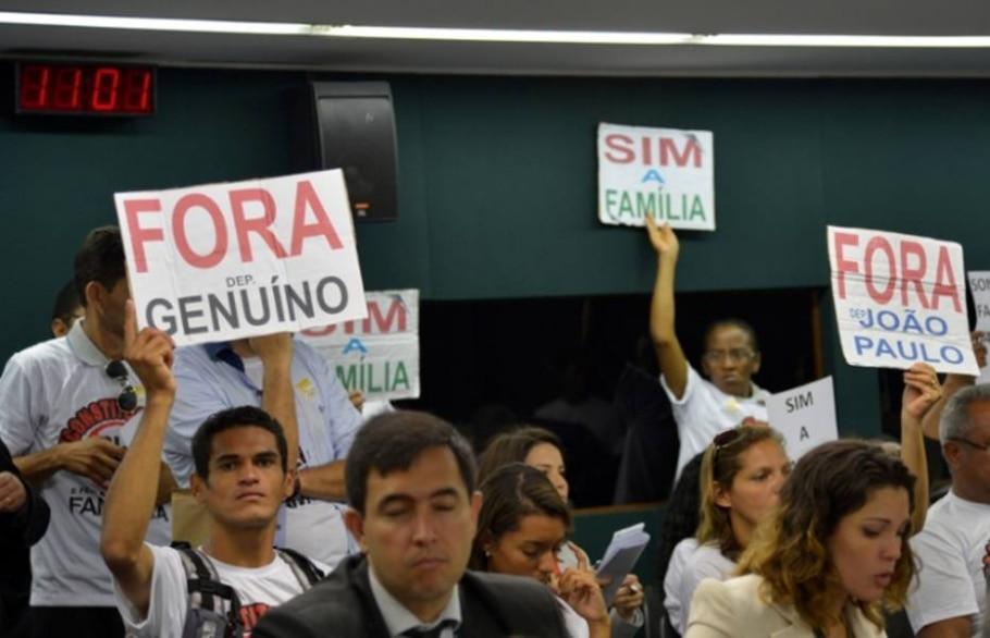 Evangélicos protestam contra presença de Genoino e Cunha na CCJ - Wilson Dias - ABr/Divulgação