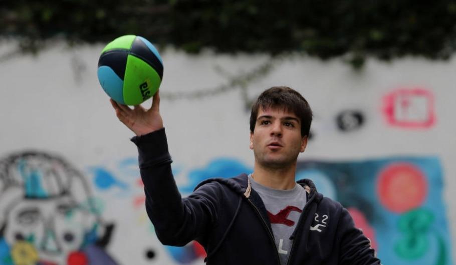 Aula de Educação Física descobre novos esportes em São Paulo - Nilton Fukuda/Estadão