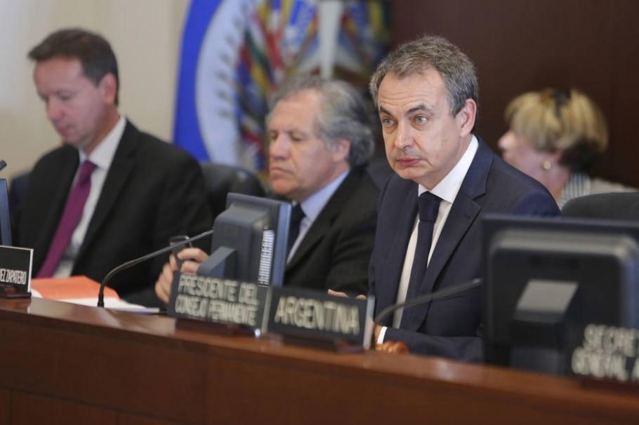O ex-premiê da espanha José Luis Zapatero participa de sessão da OEA sobre a crise na Venezuela - EFE/OLIVER CONTRERAS