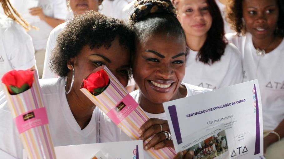 Trinta e cinco mulheres da Penitenciária Feminina da Capital tiveram aulas com o renomado chef - Márcio Fernandes/Estadão