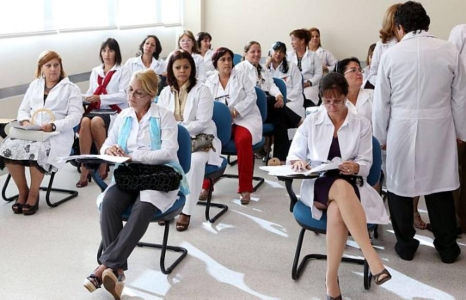 Médicos estrangeiros começam a ter aulas sobre saúde pública e língua portuguesa - André Dusek/AE