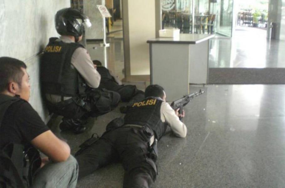 Ataques com bombas e armas deixam mortos na Indonésia - EFE