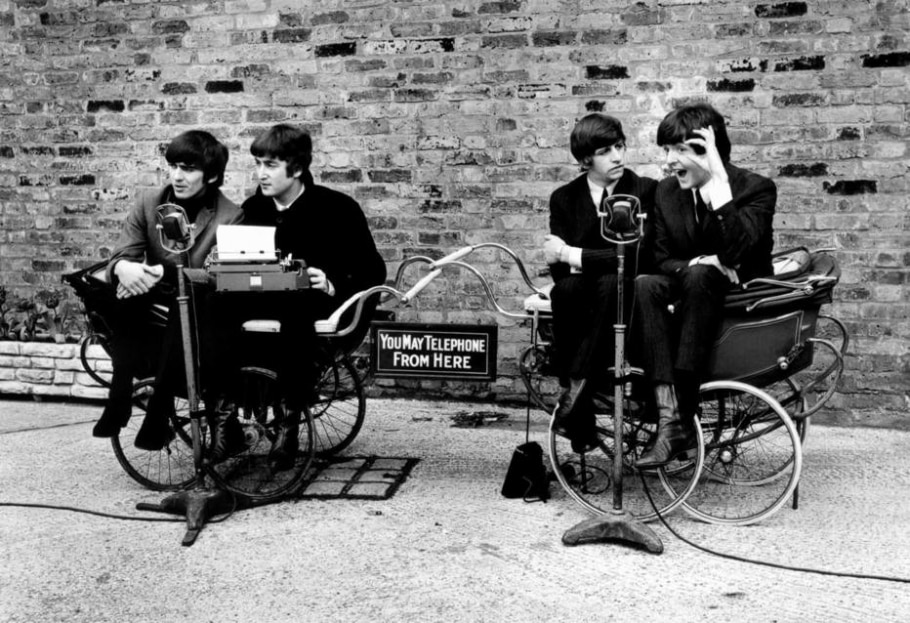 George, John, Ringo e Paul em 1964 no filme ''A Hard Day's Night' - MIRAMAX FILMS/THE NEW YORK TIMES