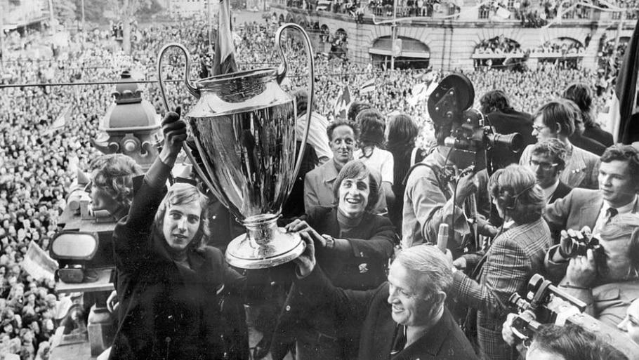 Campeão Europeu pelo Ajax, em 1972 - AFP