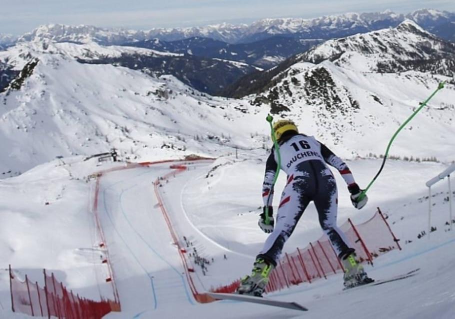 Preparativos para Sochi: Mundial Feminino de Esqui Downhill e Copa do Mundo de Biatlo - Leonhard Foeger/Reuters