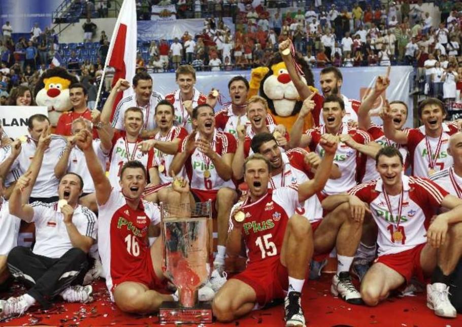 Seleção polonesa masculina comemora conquista do Campeonato Europeu - Osman Orsal/Reuters