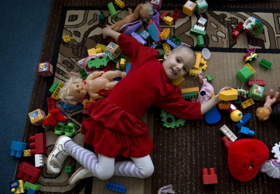 Orfanatos recebem crianças atingidas por conflito na Ucrânia - AP Photo/Vadim Ghirda