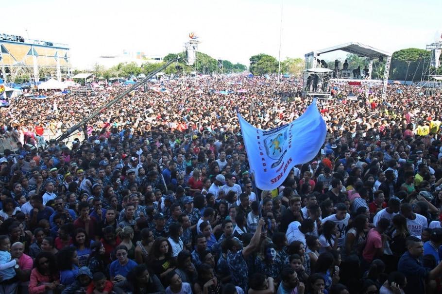Evangélicos oram por fim da corrupção em Marcha para Jesus - FELIPE RAU/ESTADÃO