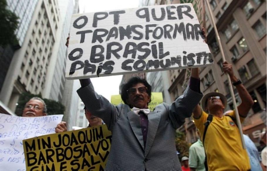 Avenidas do Rio foram palco de manifestações nesta segunda - Marcos de Paula/AE