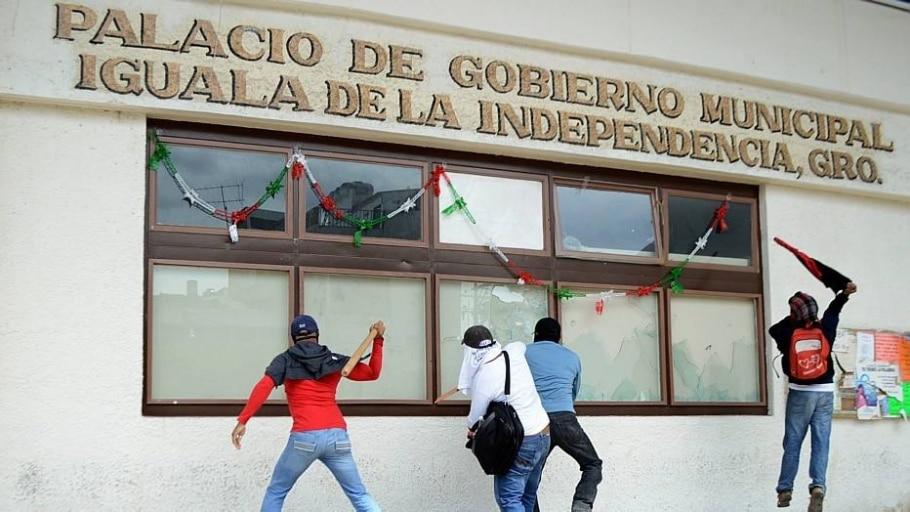 Prefeito é ligado a desaparecimento de jovens em Iguala, no México - Efe
