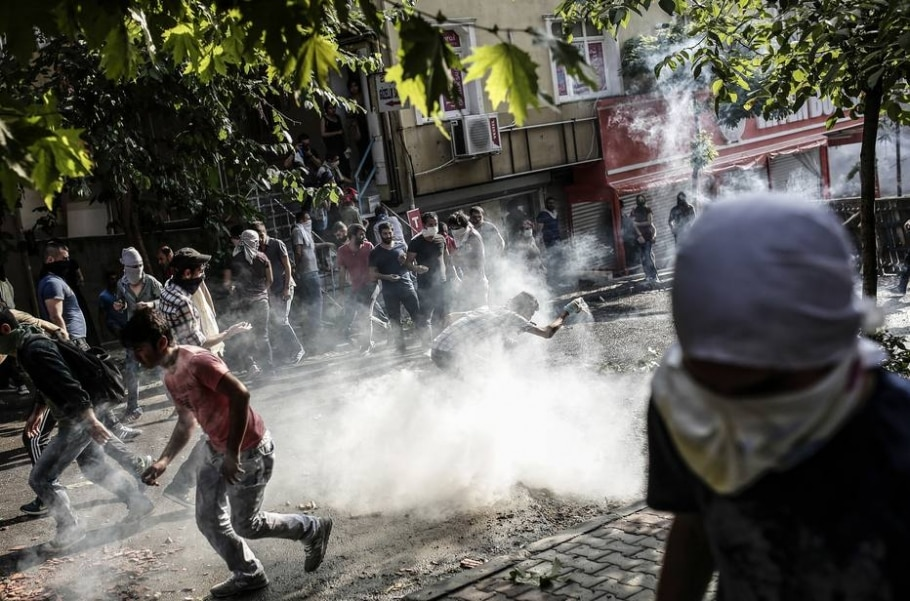 Turquia ataca Estado Islâmico - Yasin Akgul / AFP
