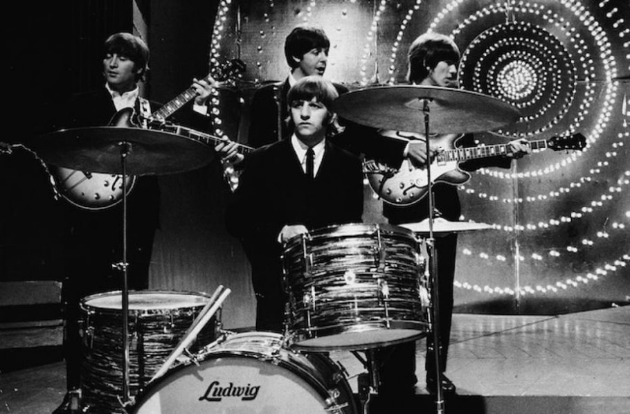 Ringo em show de 1966 com os Beatles - Express Newspapers/Getty Images