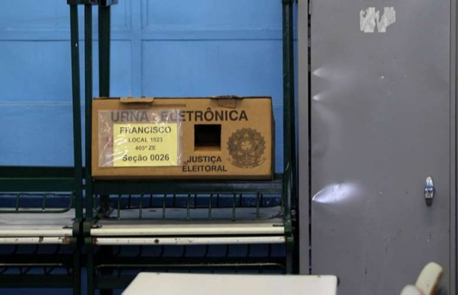 Urna eletrônica é furtada na zona leste de São Paulo - Hélvio Romero/AE