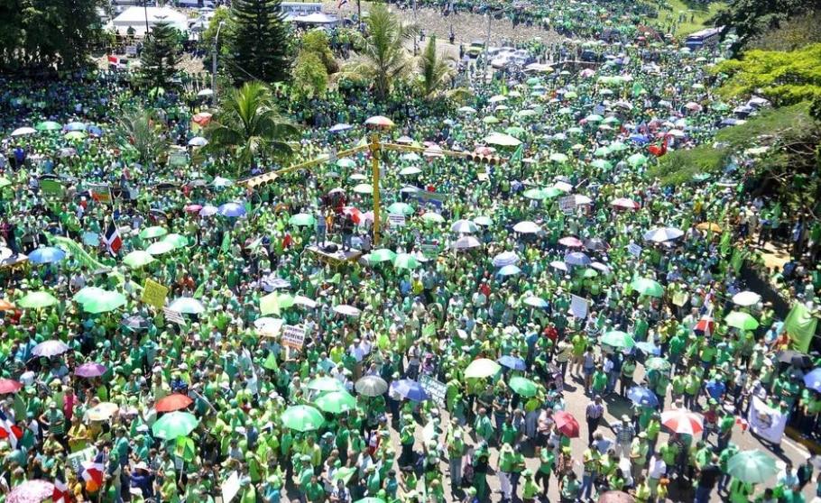 Manifestantes exigem fim imediato das operações da construtora brasileira no país - Luis Tavárez/EFE