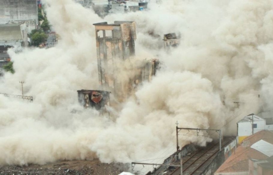 Edifício na Favela do Moinho é implodido no centro de São Paulo - JB Neto/AE