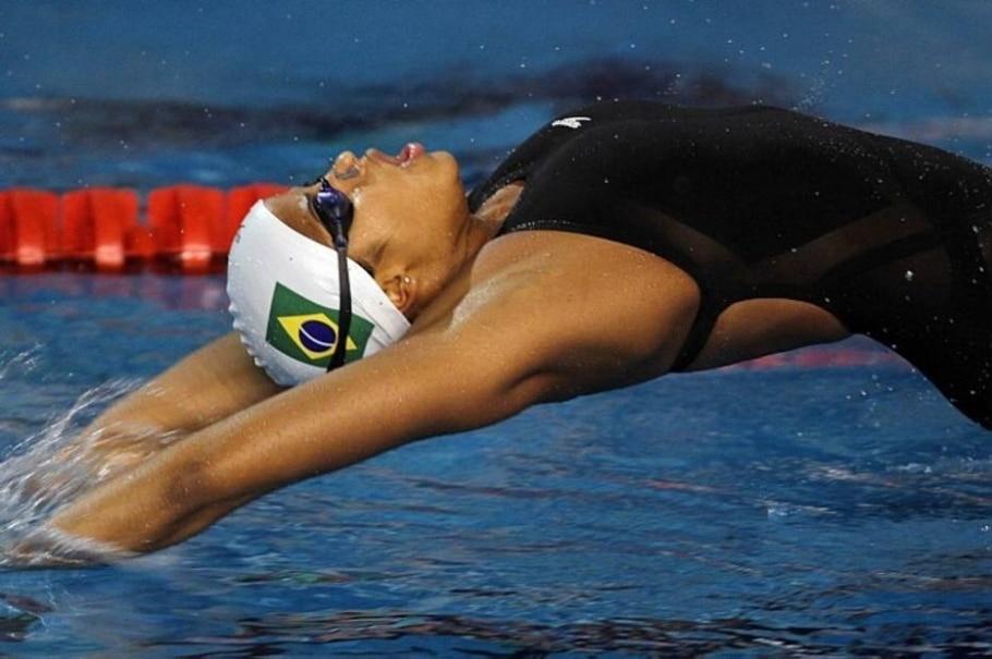 A nadadora Fabíola Molina se classificou para as finais nos 100m costas - Divulgação/Vipcomm