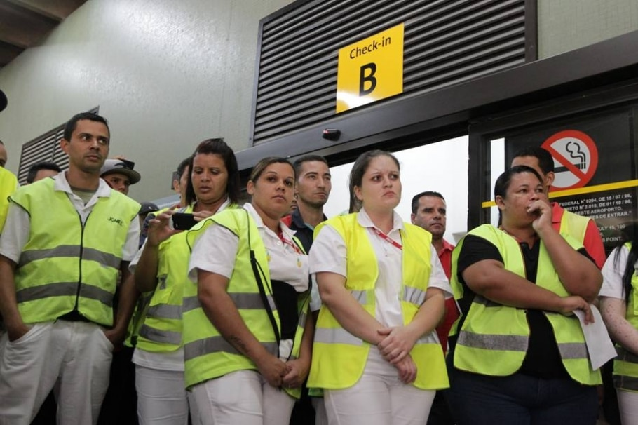 Aeroviários fazem paralisação em Guarulhos - CLAYTON DE SOUZA/ESTADÃO