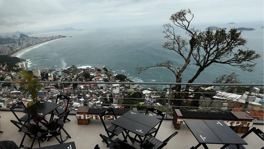 Bar e hotel badalados foram erguidos no mesmo ponto onde o tráfico agia - Fábio Motta/Estadão