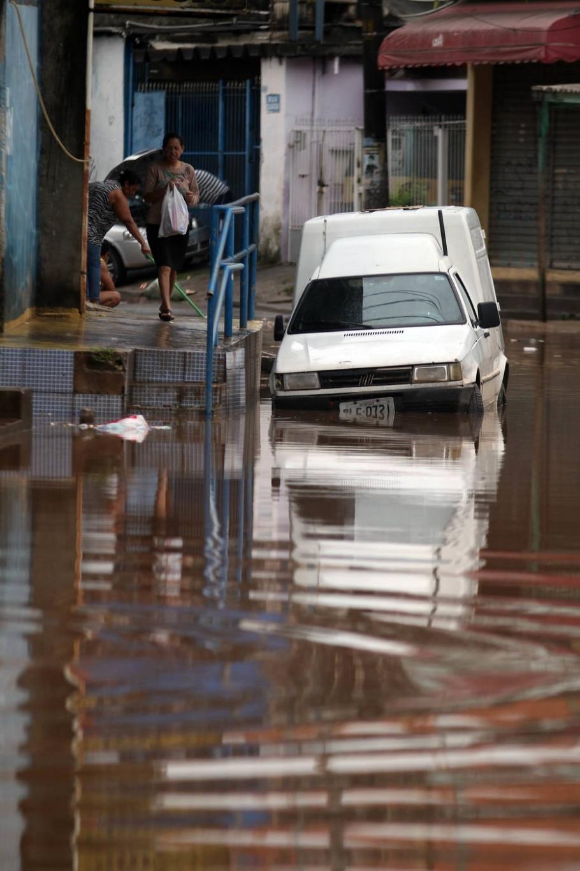 Osasco sofre alagamento após chuvas -  FELIPE RAU/ESTADÃO