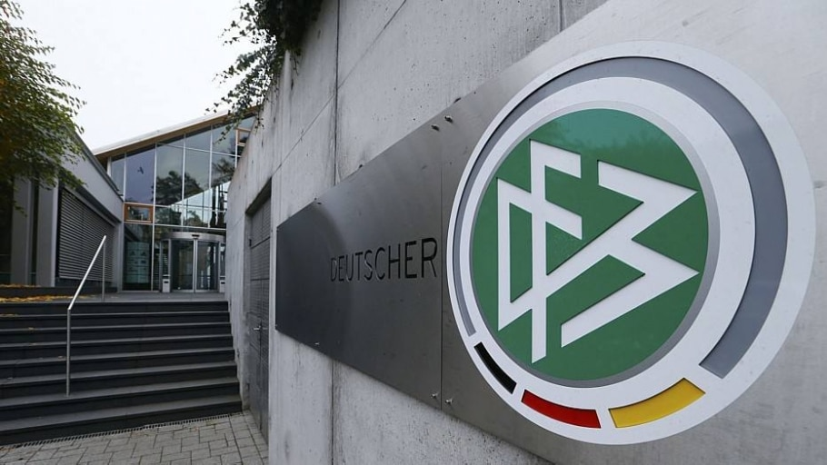 Polícia faz buscas na sede da federação alemã e casas de dirigentes - Ralph Orlowski/Reuters