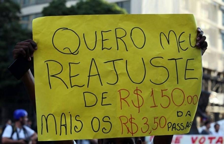 No primeiro protesto após morte, manifestantes perguntam de Amarildo e ironizam pagamento - Wilton Junior/Estadão