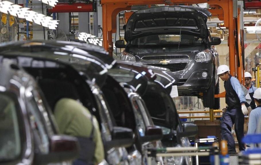 Metalúrgicos da GM paralisam no dia 29 em São José contra terceirização - Enny Nuraheni/Reuters