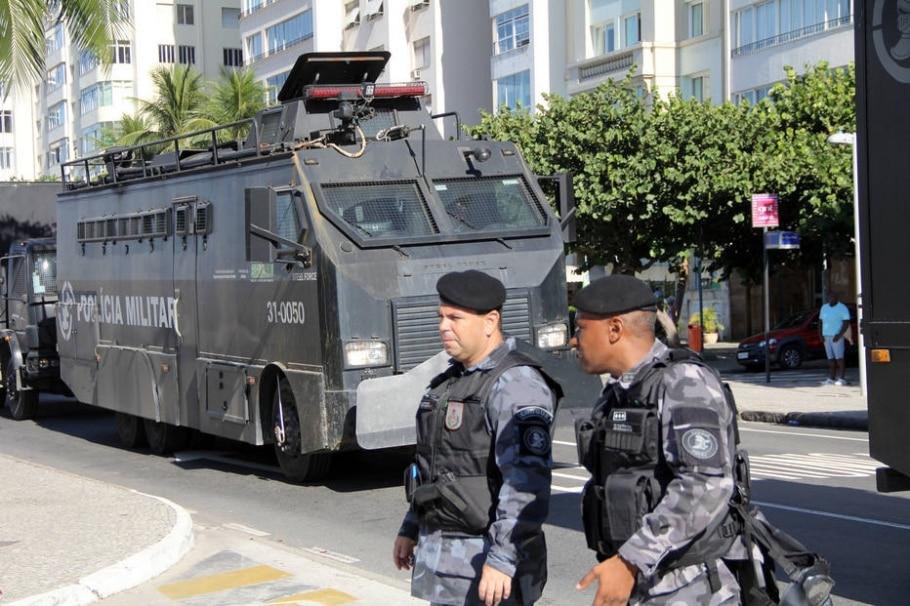 Policiamento é reforçado em Copacabana durante ato contra impeachment de Dilma - Marcos Arcoverde/Estadão