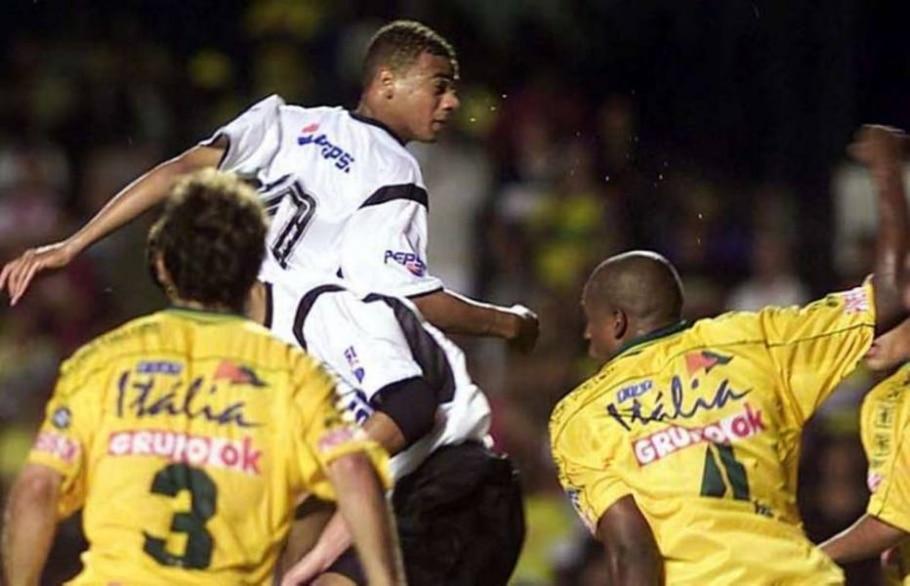 A edição de 2002 da Copa do Brasil ainda teve outra zebra: Brasiliense na final - Beto Barata/AE