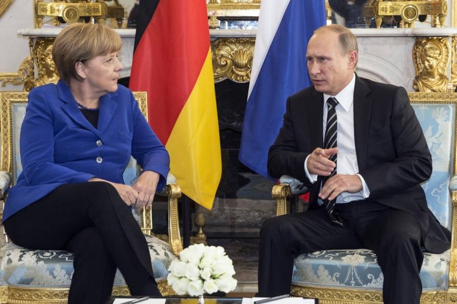 Merkel e Putin se reúnem em Paris para discutir a questão ucraniana - Etienne Laurent/Pool Photo via AP