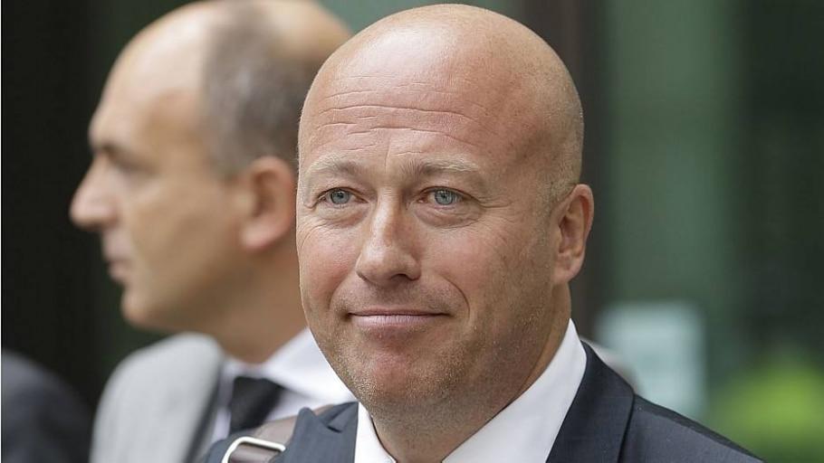 Ex-diretor de jornal britânico é condenado por escutas ilegais - AP